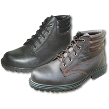 รูปภาพของ รองเท้านิรภัยหุ้มข้อ STUTTGART รุ่น SF-205 เบอร์ 6 สีดำ พื้นยาง ผูกเชือก