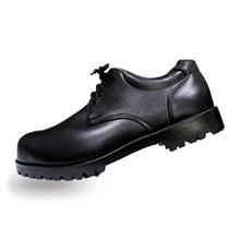 รูปภาพของ รองเท้าเซฟตี้หุ้มส้น หนัง PVC แบบผูกเชือก A-TAP รุ่น V-01 Size 42 สีดำ